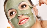Hausgemachte Masken gegen Akne